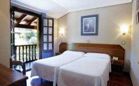 Oferta Viaje Hotel Apartamentos Capriccio + Entradas 1 día Parque de Cabárceno