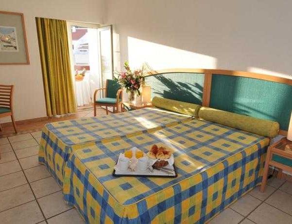Oferta Viaje Hotel Escapada Carvoeiro Sol + Entradas Zoomarine Parque temático dos días