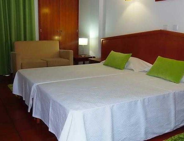 Oferta Viaje Hotel Escapada Colina do Mar + Entradas Zoomarine Parque temático dos días