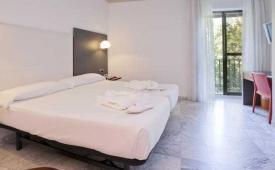 Oferta Viaje Hotel Escapada Confortel Puerta de Triana + Entradas Isla Mágica 1 día