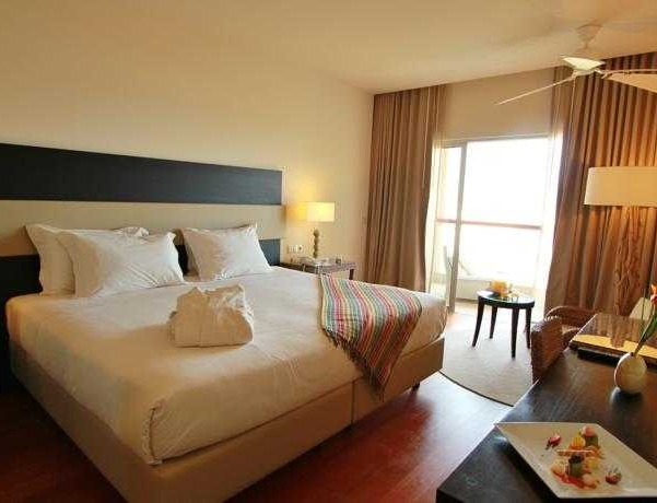 Oferta Viaje Hotel Escapada Crowne Plaza Vilamoura + Entradas Aquashow Park