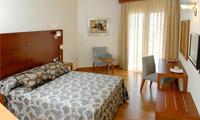 Oferta Viaje Hotel Escapada Hotel El Trebol + Entradas a Parque Oasys Mini Hollywood