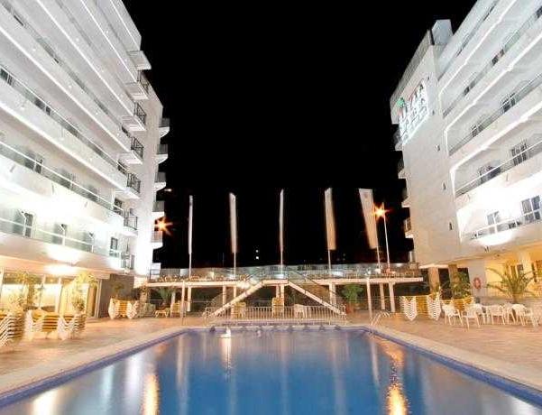 Oferta Viaje Hotel Escapada Celebración Park + Entradas Terra Mítica dos días