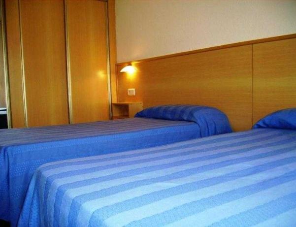 Oferta Viaje Hotel Escapada Goya + Entradas Circo del Sol Amaluna - Nivel 1