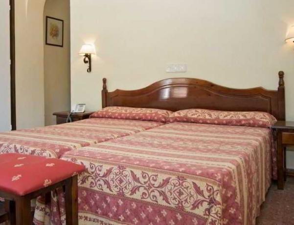 Oferta Viaje Hotel Escapada Goya Benalmadena + Entradas General Selwo Aventura Estepona
