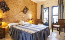 Oferta Viaje Hotel Escapada Hotel Atalaya (San Jose) + Entradas a Parque Oasys Mini Hollywood