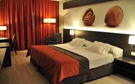 Oferta Viaje Hotel Escapada Brea's Hotel + Entradas PortAventura tres días dos parques