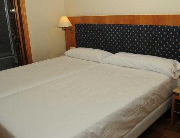 Oferta Viaje Hotel Nh Madrid Practico + Bus desde Madrid