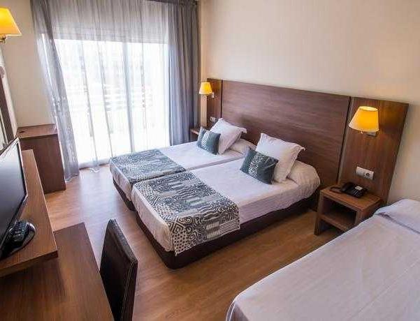 Oferta Viaje Hotel Escapada Acqua Hotel + Entradas PortAventura 1 día