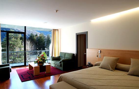 Oferta Viaje Hotel Andorra Park + Circuito Vertical Azul