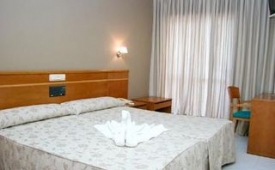 Oferta Viaje Hotel Escapada Hotel Atalaya I + SUP La Lanzada  dos hora / día