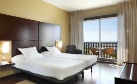 Oferta Viaje Hotel Escapada Calas de Conil + Surf en El Palmar dos hora / día