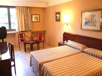 Oferta Viaje Hotel Delfos + Descenso barranco Perfeccionamiento