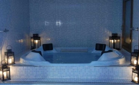 Oferta Viaje Hotel Escapada Els Encantats + RaftingLlavorsí - Rialp (doce km)