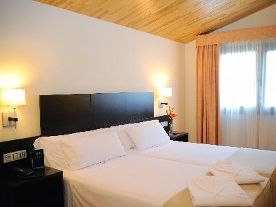 Oferta Viaje Hotel Escapada Font d'Argent Canillo + Entradas Nocturna dos horas - Caldea