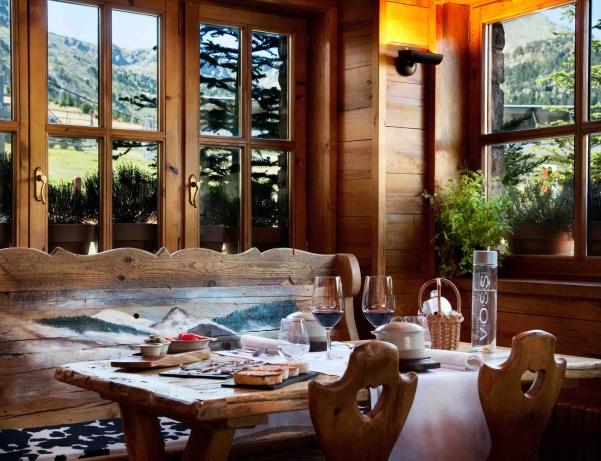 Oferta Viaje Hotel Escapada Grau Roig Andorra Boutique Hotel & Spa + Visita Bodegas Borda Sabaté mil novecientos cuarenta y cuatro