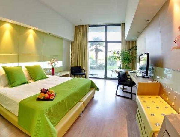 Oferta Viaje Hotel La Finca Golf & Spa Resort + Circuito Termal + Masaje + Menú Saludable