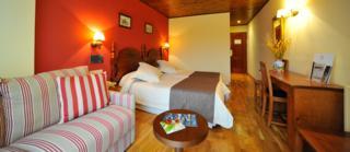 Oferta Viaje Hotel Escapada La Morera + RaftingLlavorsí - Sort (dieciseis km)