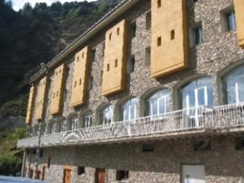 Oferta Viaje Hotel Escapada Hotel Les Terres + Puenting dos salto