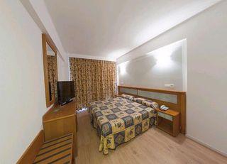Oferta Viaje Hotel Escapada Hotel Marbel (Perro Pastilla) + Entradas a Naturaleza Parc