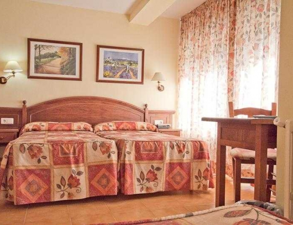 Oferta Viaje Hotel Montecarlo + Entradas Inuu todo el día