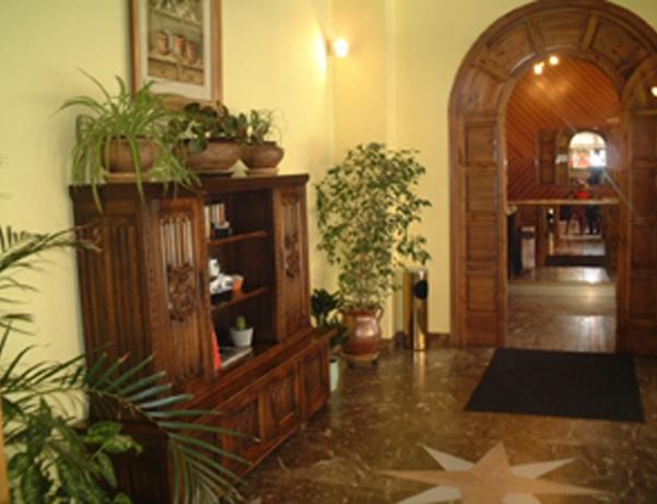 Oferta Viaje Hotel Hotel Palarine + Entradas Circo del Sol Scalada + Caldea
