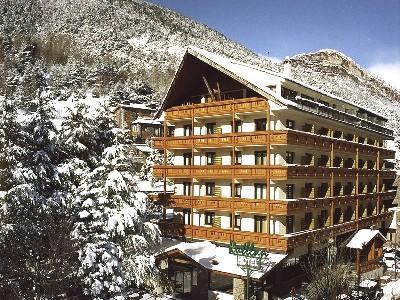 Oferta Viaje Hotel Escapada Rutllan Xalet de Muntanya + Entradas Circo del Sol Scalada + Caldea