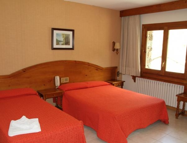 Oferta Viaje Hotel Escapada Hotel Sant Miquel + Entradas Caldea + Espectáculo Sensoria - (veinte-veintiuno)