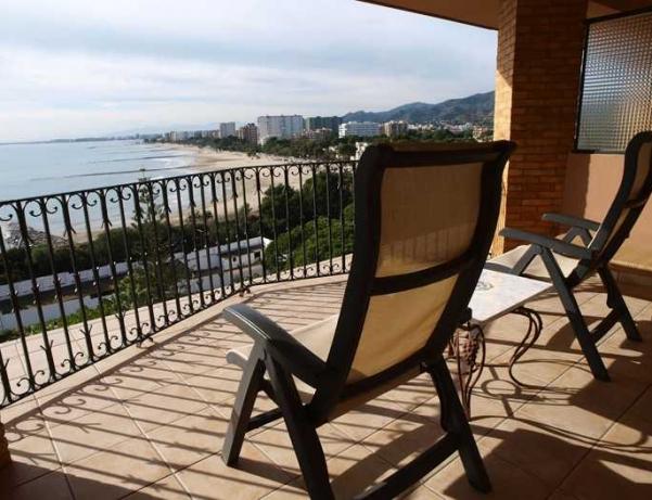 Oferta Viaje Hotel Escapada Hotel Termas Marinas El Palasiet + Recorrido Biomarino + Acceso Ilimitado de la Piscina Agua marina exterior + Detalles en Habitación