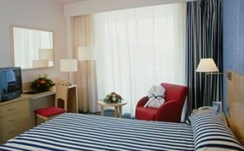 Oferta Viaje Hotel Escapada TRYP Port Cambrils Hotel + Entradas PortAventura 1 día
