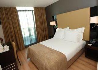 Oferta Viaje Hotel Escapada Hotel Turim Alameda + Espectáculo Fado