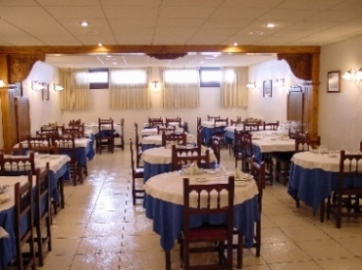 Oferta Viaje Hotel Escapada Husa Xalet Besoli + Entrada dos días Naturlandia + P. Animales