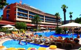 Oferta Viaje Hotel Villa Romana + Entradas Circo del Sol Amaluna - Nivel 2