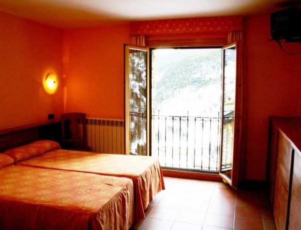 Oferta Viaje Hotel Escapada Hotel Ransol + Entrada Única Naturlandia + P. Animales