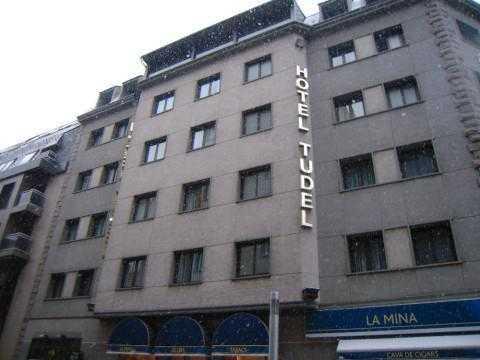 Oferta Viaje Hotel Escapada Hotel Tudel + Entradas Inuu todo el día