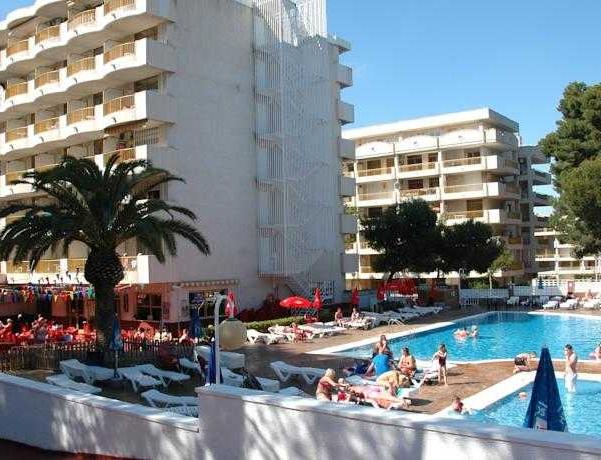 Oferta Viaje Hotel Internacional II + Entradas PortAventura 2 días