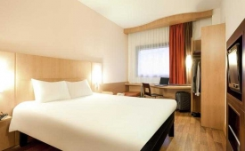 Oferta Viaje Hotel Escapada Hotel Ibis Bilbao Centro + Museo Guggenheim + Camino en Kayak por la ría de Bilbao