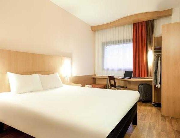 Oferta Viaje Hotel Hotel Ibis Bilbao Centro + Transporte y Acceso a museos  24h