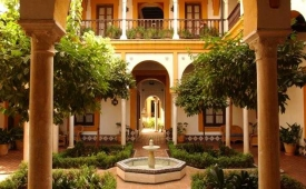 Oferta Viaje Hotel Escapada Casa Imperial + Entradas Isla Mágica + Aqua Mágica 1 día