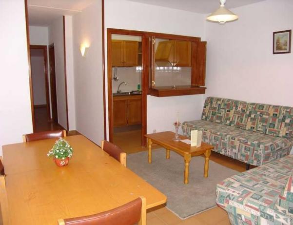 Oferta Viaje Hotel Escapada Pisos La Solana + Entrada General tres horas - Inuu