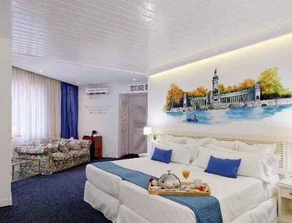 Oferta Viaje Hotel Escapada Mayorazgo + Entradas dos días sucesivos Warner con 1 día Warner Beach