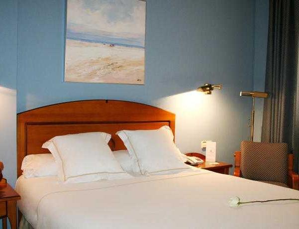 Oferta Viaje Hotel Escapada Don Manuel + Entradas Parque de Atracciones