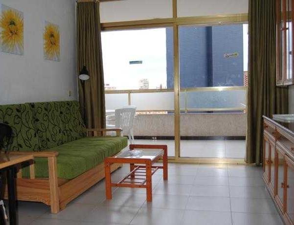 Oferta Viaje Hotel Escapada Pisos Maria Victoria + Entradas Terra Mítica dos días