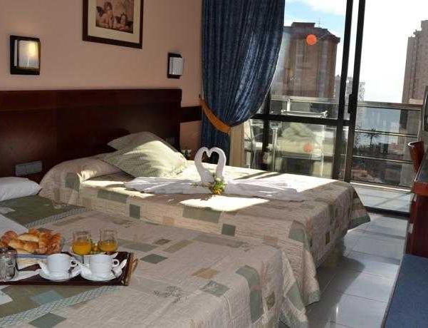 Oferta Viaje Hotel Escapada Marina Benidorm + Entradas Terra Mítica dos días