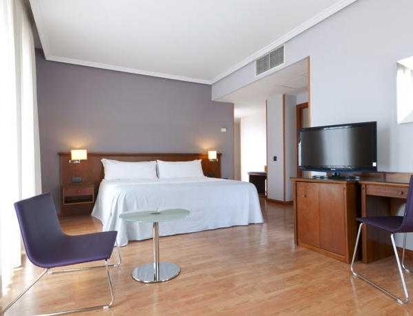Oferta Viaje Hotel Escapada Tryp la capital de España Cibeles Hotel + Autobus desde la capital de España
