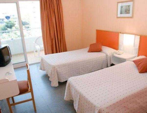 Oferta Viaje Hotel Escapada Mont Park + Entradas Terra Mítica dos días