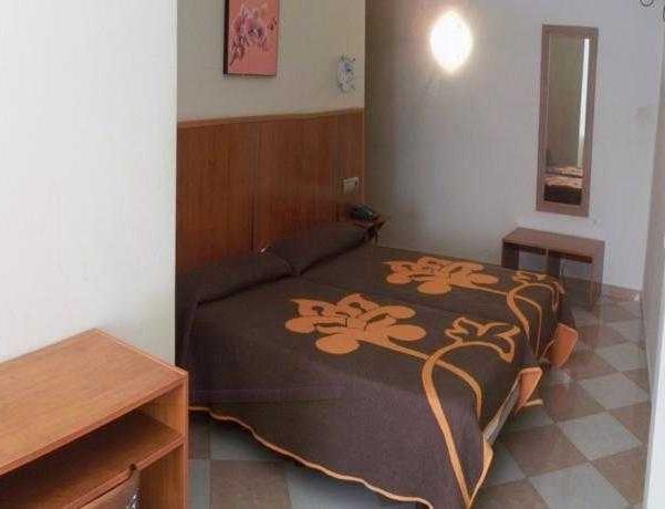 Oferta Viaje Hotel Escapada N-CH + Entradas Bioparc de Fuengirola