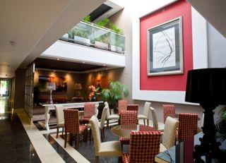 Oferta Viaje Hotel Escapada Nexus Benalmadena Suites And Apartments + Entradas Bioparc de Fuengirola