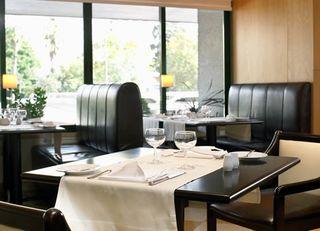Oferta Viaje Hotel Escapada Nh Campo Grande + Acceso a Museos y Transporte 48h