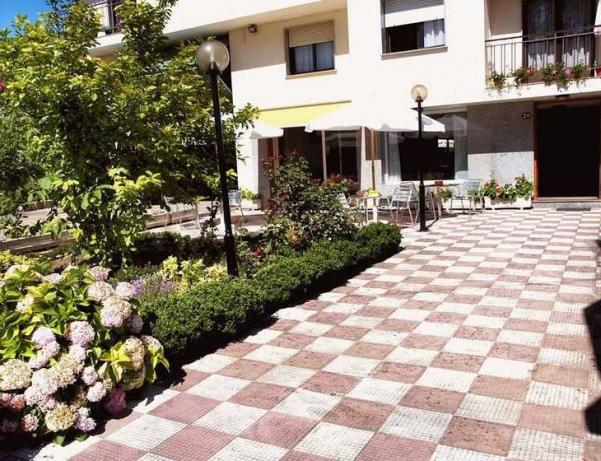 Oferta Viaje Hotel Escapada Pension Norat Sanxenxo + Surf La Lanzada  dos hora / día